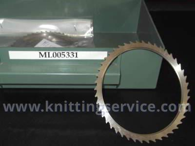 Saw blades for hosiery machines